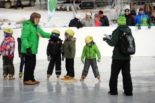 A.Vilčinskas su jaunaisiais čiuožėjais.
