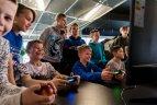 Virtualios kovos krepšinio aikštelėje