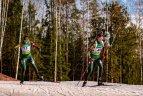 Biatlono viltys žlugo ištižusiame sniege