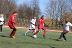 """Velykinė moterų futbolo šventė """"Nerisk, o spirk"""" Marijampolėje."""