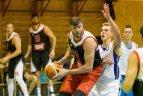 Broliai Lavrinovičiai rungtyniauja Sostinės krepšinio lygoje.