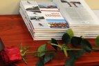 """2010.01.14. Kūno kultūros ir sporto departamente pristatyta nauja knyga """"Kalnų slidinėjimas"""""""