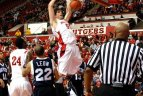 2011 04 11. Jaunieji lietuviai JAV krepšinio arenose.