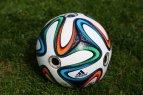"""Pristatytas oficialus 2014m. Pasaulio futbolo čempionato kamuolys """"Brazuca"""""""