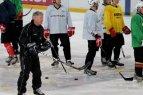 """Elektrėnų """"Energijos"""" ledo ritulininkai sveikina rinktinės trenerį Berndą Haakę su 68-uoju gimtadieniu."""