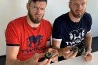 Broliai Lavrinovičiai ruošiasi Kinijai: naujoje laidoje valgė 30 dienų pūdytus kiaušinius