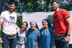Sporto šventė Pumpėnuose, kurios nepraleido broliai Lavrinovičiai su šeimomis.