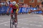 """Lietuvos dviratininkė Daiva Tušlaitė per anksti pradėjo švęsti pergalę """"Trophee d'Or Feminin"""" trečiajame etape ir liko antra."""